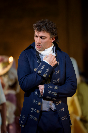 Jonas Kaufmann as Andrea Chénier [Photo © ROH. Photographer Bill Cooper]