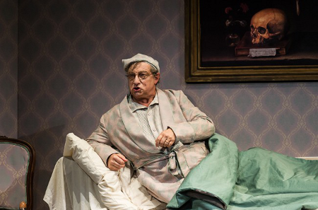 Alessandro Corbelli as Don Pasquale [Photo by Clive Barda]