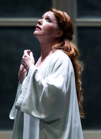 Emily Magee as Empress [Photo © ROH / Clive Barda]