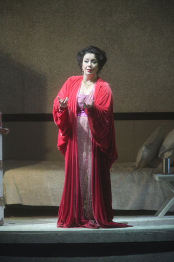 Verónica Villarroel  as Florencia Grimaldi [Photo by Craig T. Mathew /LA Opera]
