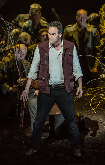 Gerald Finley as Guillaume Tell [Photo: ROH / Clive Barda]