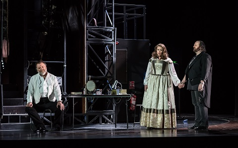 170308_2316_meistersinger BRYN TERFEL AS HANS SACHS, RACHEL WILLIS-SORENSEN AS EVA, GWYN HUGHES JONES AS WALTHER (C) ROH. PHOTO BY CLIVE BARDA.jpg