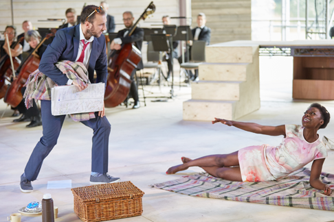2-Garsington-Opera-RSC-Ross-Armstrong-Lysander-Joan-Iyiola-Herrmia-credit-Mark-Douet.png