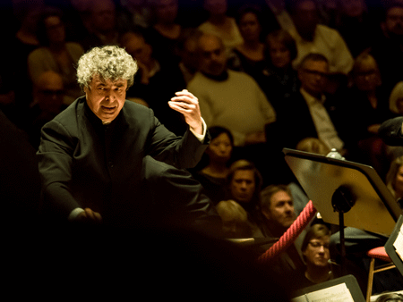 Semyon Bychkov [Photo by Renske Vrolijk]