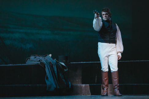 20200108_eugeneonegin-day01_seattleopera_sunnymartini_37860.png