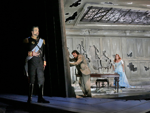 29 Brian Jagde (Narraboth), Ryan McKinny (Jochanaan), and Alex Penda (Salome) in 'Salome.' Photo © Ken Howard for Santa Fe Opera, 2015.png