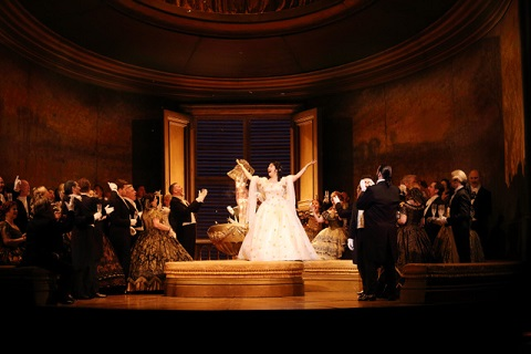 391 Production image La traviata (C) ROH 2019 photographed by Catherine Ashmore (1).jpg