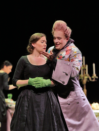 Heidi Stober as Sandrina and William Burden as the Podesta [Photo by Ken Howard]