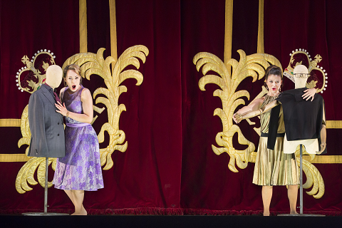 ANGELA BROWER AS DORABELLA, CORINNE WINTERS AS FIORDILIGI, © ROH. PHOTO STEPHEN CUMMISKEY.png