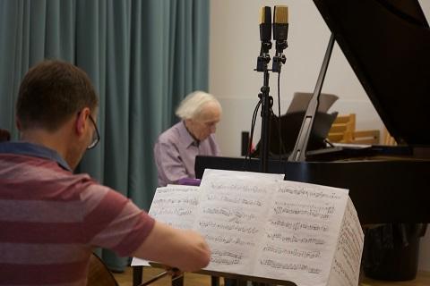 Adrian Bradbury and Oliver Davies recording ©️ Richard Hughes (1).jpg