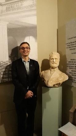 Adrian Bradbury next to bust of Alfredo Piatti, Sala Piatti, Bergamo (1).jpg