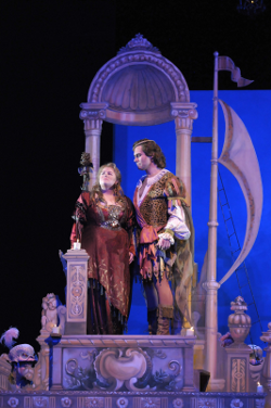 Amber Wagner as Ariadne and Brandon Jovanovich as Bacchus