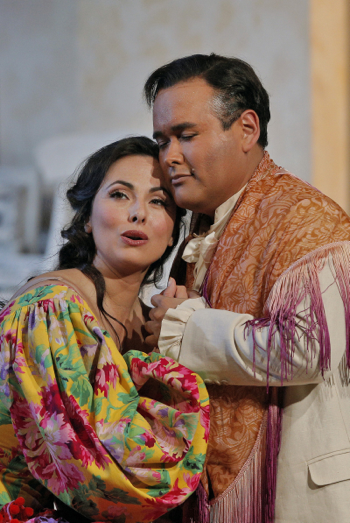 Rosina and Lindoro in Il barbiere di Siviglia [Photo by Cory Weaver]