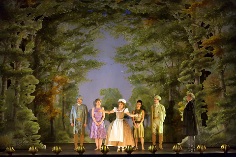 COSI FAN TUTTE AT THE ROYAL OPERA HOUSE PRODUCTION IMAGE © ROH. PHOTO STEPHEN CUMMISKEY.png