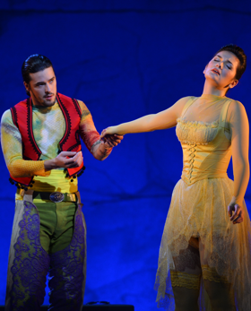 André Schuen as Guglielmo, Marianne Crebassa as Dorabella [Photo Marc Ginot / Opéra national de Montpellier]