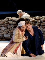Tania Kross (La Messagiera) and Jeremy Ovenden (Orfeo) [© DNO/Ruth Walz en Hans Hijmering]