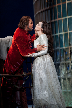 Gerald Finley as Don Giovanni and Katarina Karnéus as Donna Elvira [Photo by Mike Hoban courtesy of the Royal Opera House]