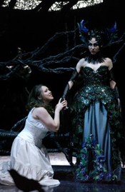 Miriam Ryen as the Queen of the Night and Jennifer O'Loughlin as Pamina (Volksoper Wien, 1 May 2007)