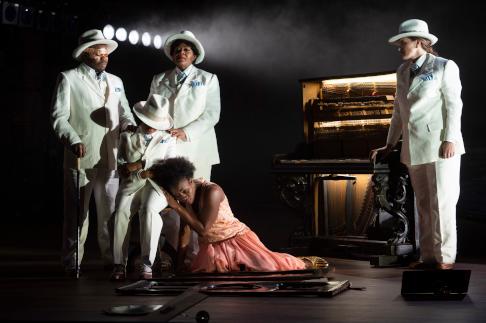 De Nationale Opera Caruso a Cuba - credits Monika Rittershaus 226.png