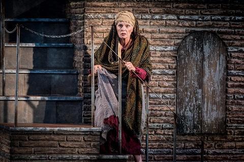 Fiona Kimm as Giglietta.jpg