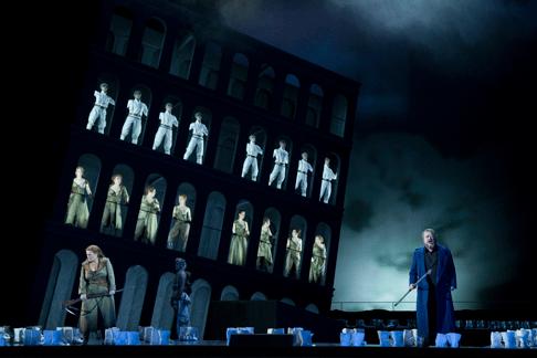 Foto-3_Die-Walküre_Oper-Leipzig_Premiere-07.12.2013.png