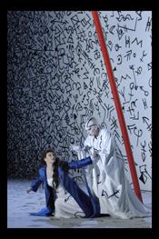 Gabriele Fontana (Die Kaiserin), Doris Soffel (Die Amme) [Photo by: Clärchen und MatthiasBaus]