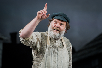 Bryn Terfel as Tevye [Photo © Robert Workman]