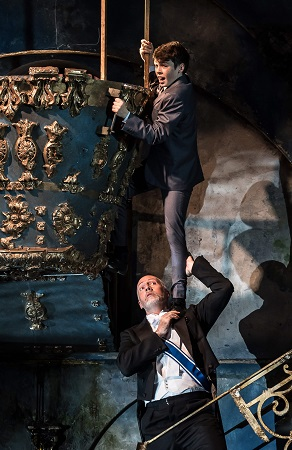 Garsington Opera 2017 Pelle?as et Me?lisande William Davies (Yniold), Paul Gay (Golaud) credit Clive Barda.jpg