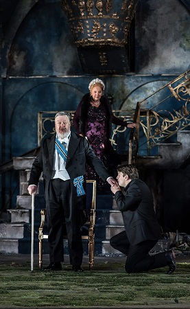 Garsinton Opera 2017 Pelléas et Mélisande Brian Bannatyne-Scott (Arkel), Susan Bickley (Geneviève), Jonathan McGovern (Pelléas) credit Clive Barda.jpg