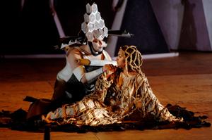 Emiliano Gonzalez-Toro (Arnalta) and Danielle de Niese (Poppea) [© DNO/Ruth Walz en Hans Hijmering]