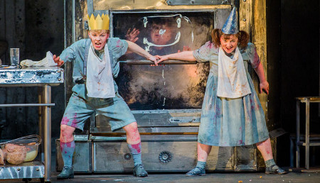 Jurgita Adamonyté as Hansel and Ailish Tynan as Gretel [Photo courtesy of Welsh National Opera]