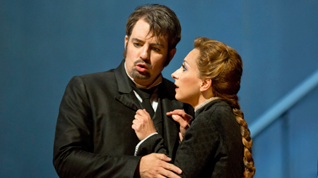 Matthew Polenzani as Hoffmann and Natalie Dessay as Antonia [Photo by Cory Weaver courtesy of San Francisco Opera]