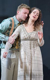 Idamante (Pavol Breslik) and Ilia (Juliane Banse) [Photo: Bayerische Staatsoper]