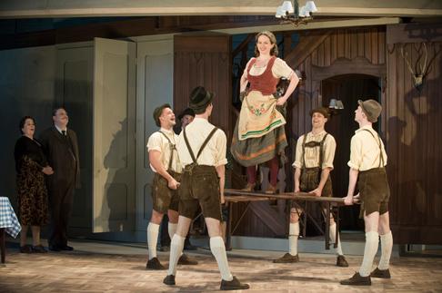 Intermezzo-2015-Garsington-Opera-Sarah-Redgwick-Notarys-Wife-Benjamin-Bevan-Notary-Anna-Sideris-Resi-credit-Mike-Hoban.png