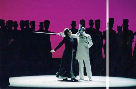 Irina Mataeva as Tatyana and Emil Wesołowski as O*** [Photo © Teatr Wielki — Opera Narodowa/Stefan Okołowicz]