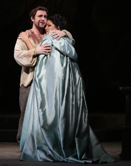 Anna Netrebko and Otar Jorjikia [Photo by Brescia/Amisano – Teatro alla Scala]