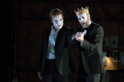 Laertes and Claudius.jpg