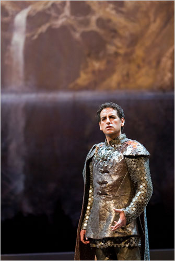 Juan Diego Florez as Giacomo V [Photo by Agathe Poupeney/ Opéra national de Paris]