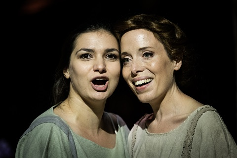 Lena Belkina (Philemon) and Rebecca Bottone (Bauci).jpg