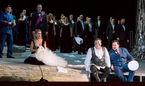 Liviu Indric_u (Cassio) Marius Bolo_ (Lodovico) Iulia Isaev (Desdemona) Daniel Magdal (Otello) Valentin Vasiliu (Iago).png