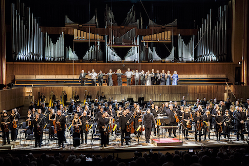 London Philharmonic Orchestra, cast and conductor, Vladimir Jurowski curtain call for Das Rheingold.png