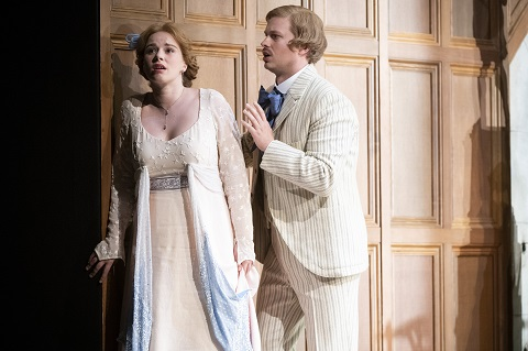 Mélisande (Christina Gansch) and Pelléas (John Chest).jpg