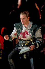 Simon Keenlyside as Macbeth [Photo by Clive Barda courtesy of The Royal Opera]