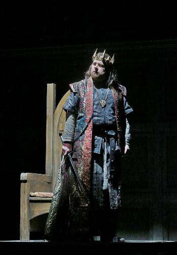 Roland Wood as Macbeth [Photo by Ken Howard]