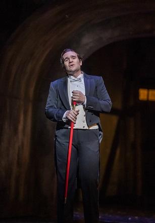 Michael Fabiano as Faust.jpg