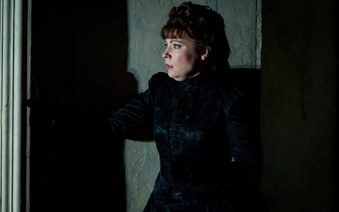 Natalya Romaniw as Lisa in The Queen of Spades at Opera Holland Park CREDIT ROBERT WORKMAN.png