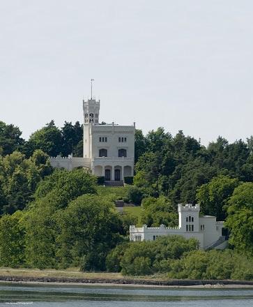 Oscarhall Palace.jpg
