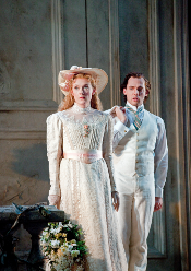 Magdalena Koženà as Mélisande and Stéphane Degout as  Pelléas [Photo by Ken Howard courtesy of Metropolitan Opera]