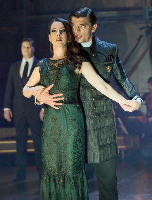 PR8A7381_crop ORFEO - RACHEL KELLY AS PROSERPINA, CALLUM THORPE AS PLUTO (C) ROH-ROUNDHOUSE. PHOTOGRAPHER STEPHEN CUMMISKEY.png