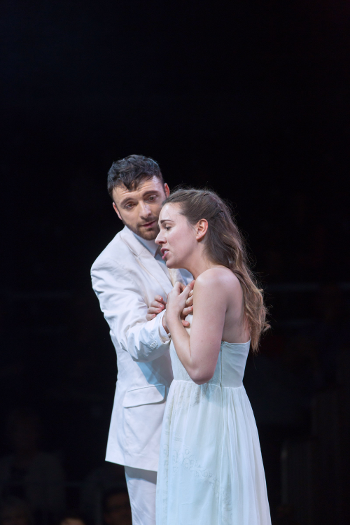 Gyula Orendt as Orfeo and Mary Bevan as Euridice [Photo by Stephen Cummiskey]